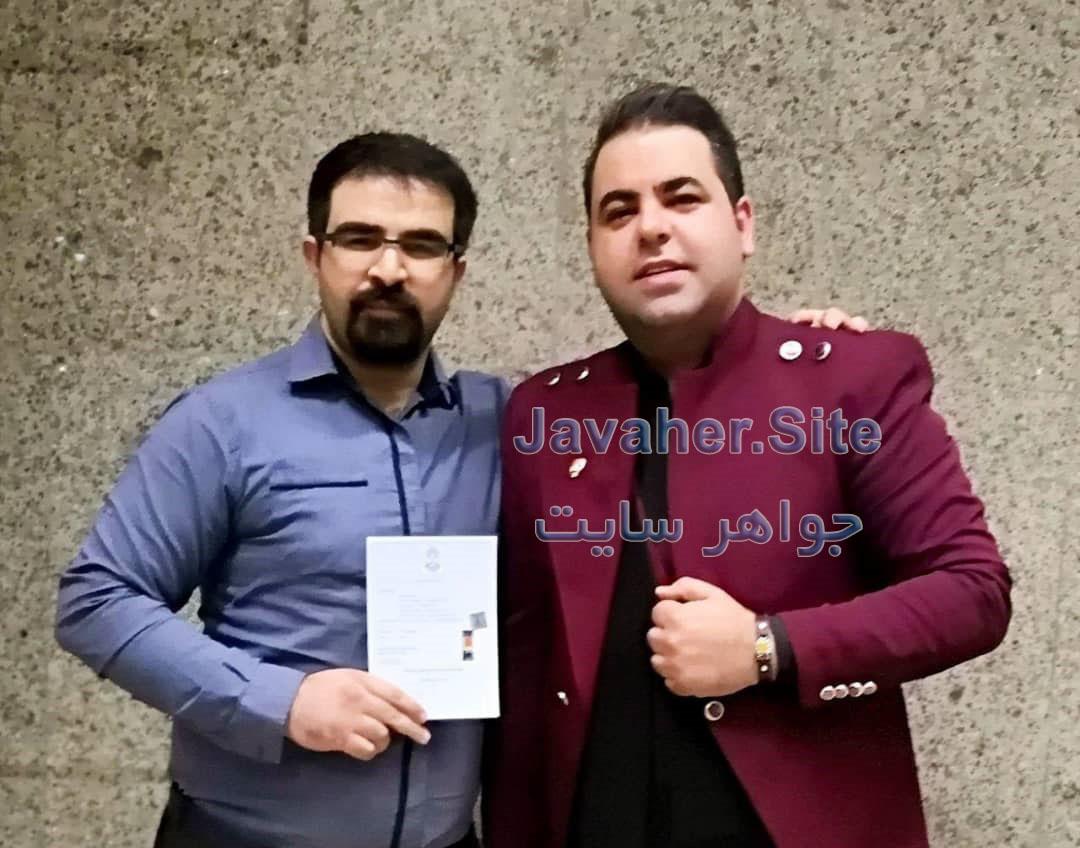 میلاد صالح پور هنرمند کمدین طنز پرداز جواهرات هنرمندان سنگ درمانی